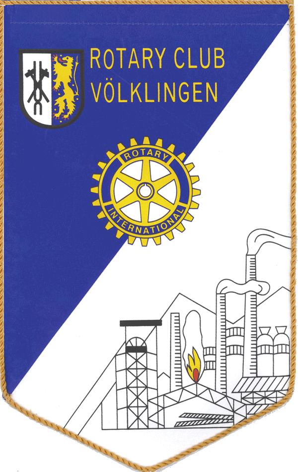 Der Wimpel des RC Völklingen zeigt neben dem rotarischen Wheel und dem Wappen der Mittelstadt Völklingen die Insignien der saarländischen Industriekultur: Förderturm und Kohlehalde sowie Hochöfen und Schlote.