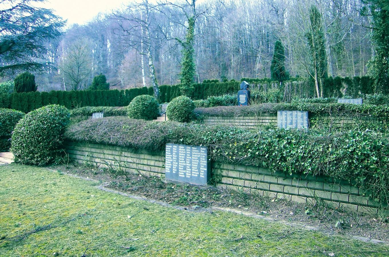 Die Ausländergedenkstätte auf dem Völklinger Waldfriedhof im Herbst 2017.
